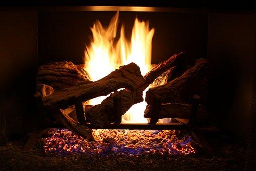 たき火に火吹き棒