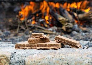 焚き火の着火剤10選【キャンプで火起こしが簡単】