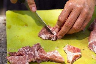 オピネル キャンプ用のナイフ