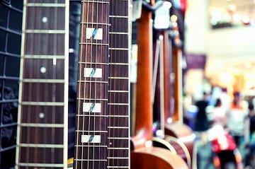 ギターを初めて買うとき